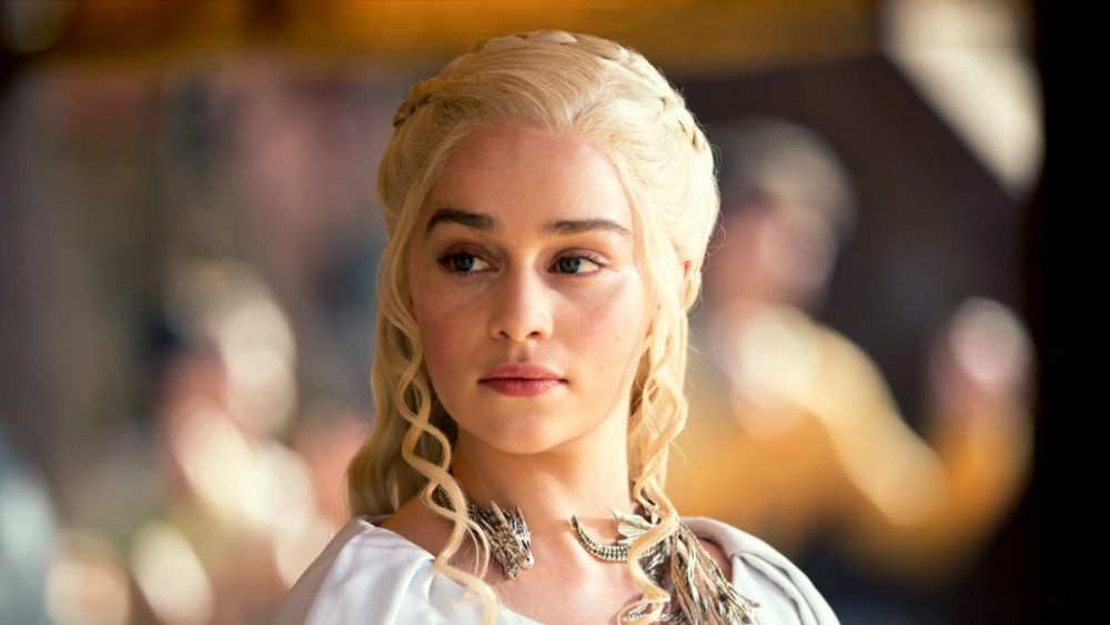 Emilia Clarke just revealed what happens when Daenerys meets Sansa and Arya in the <em>GoT</em> premiere