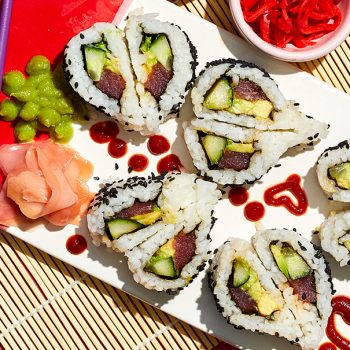 Make these heart-shaped sushi rolls to impress your soymate