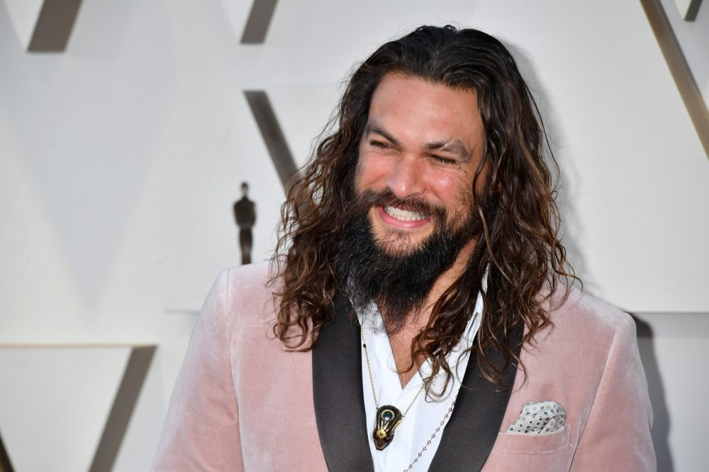 Jason Momoa shaved off his iconic beard, looks like entirely new human