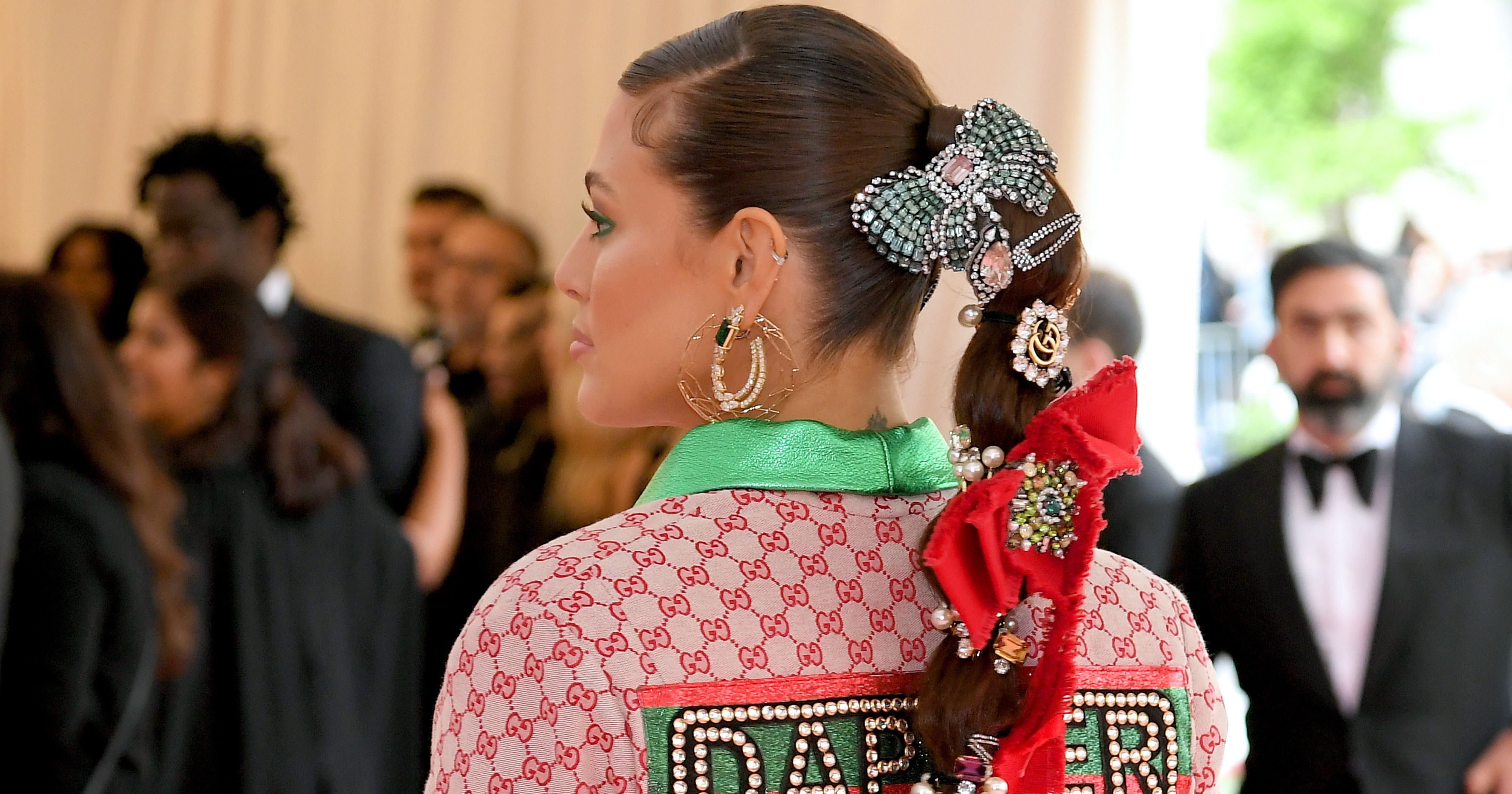 Bows are the 2019 Met Gala's biggest red carpet trend, and they're giving us so much nostalgia