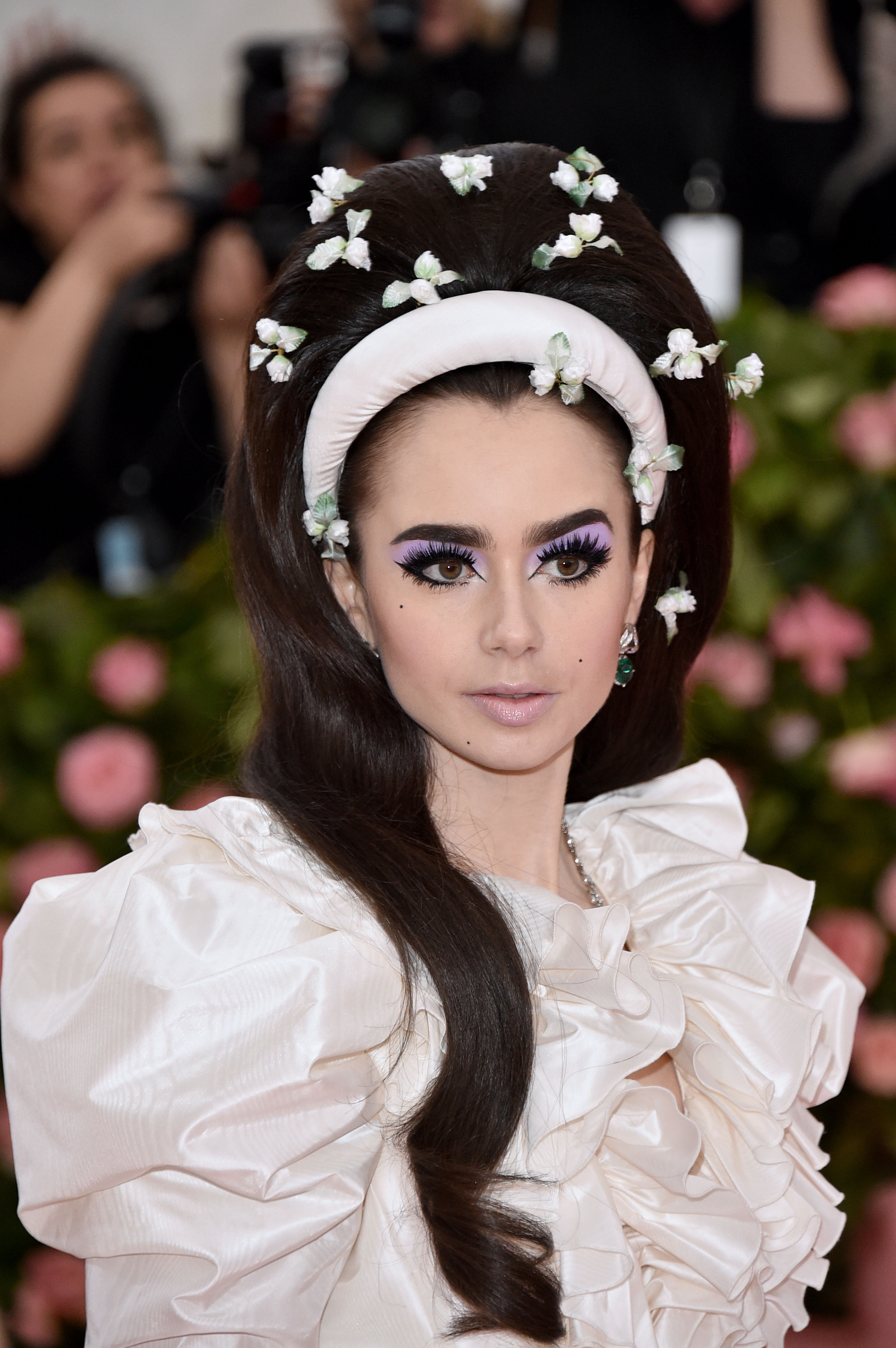 Extremely long, crazy eyelashes were the boldest beauty trend at the 2019 Met Gala