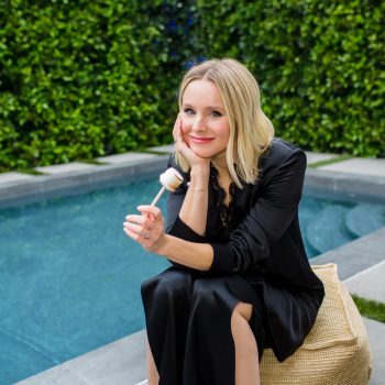 """Kristen Bell told us why being the """"polar opposite"""" of Dax Shepard makes their relationship work"""