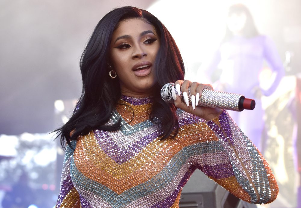 Cardi B had a wardrobe malfunction at Bonnaroo, and she handled the near-naked moment in a genius way