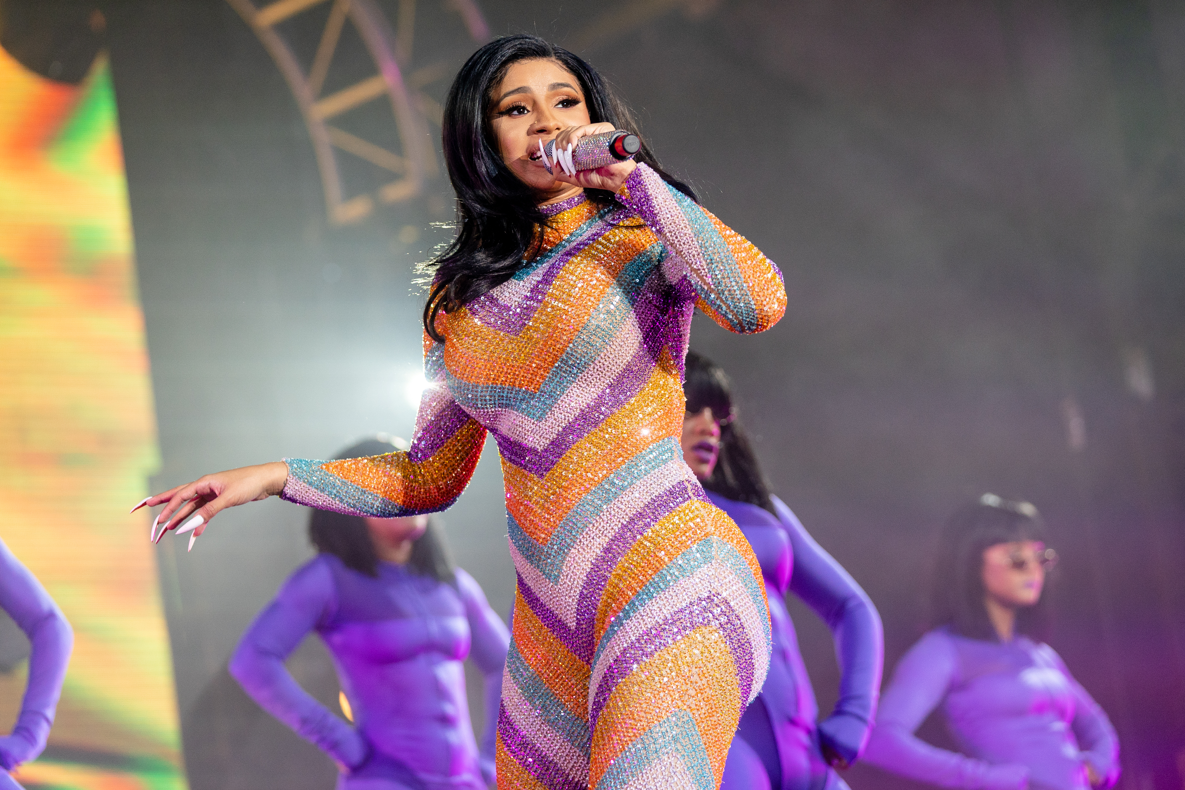 Cardi B Rapping: Cardi B Had A Wardrobe Malfunction At Bonnaroo, And She