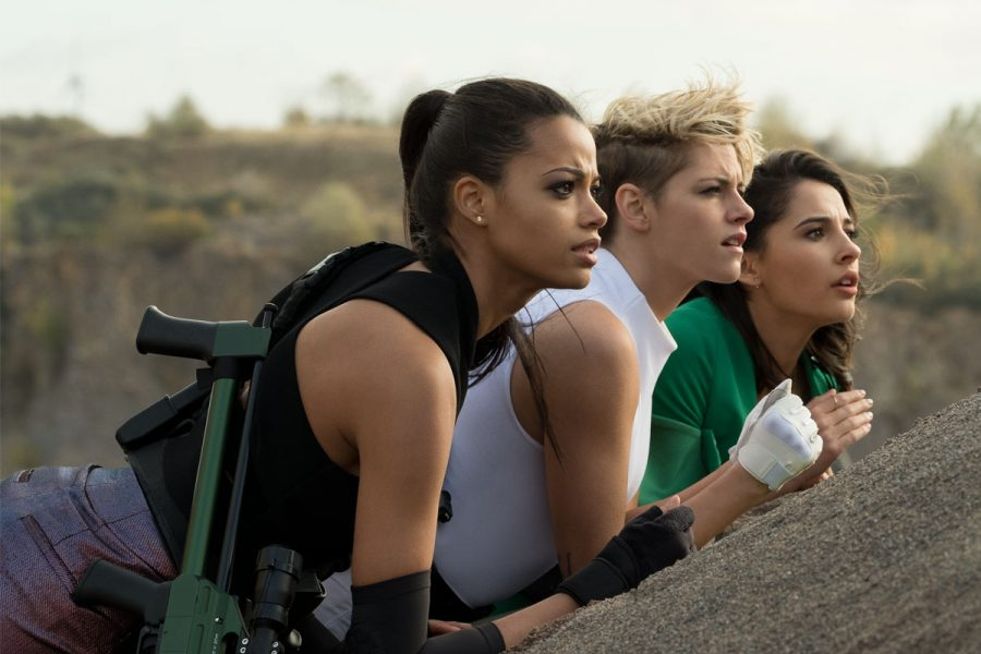 These photos of Kristen Stewart in the new <em>Charlie's Angels</em> have Twitter in its big gay feelings