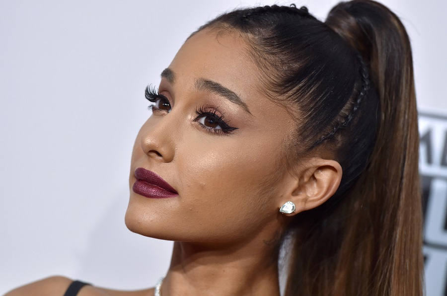 Ariana Grande speaks out against photographer after predatory nude photo scandal
