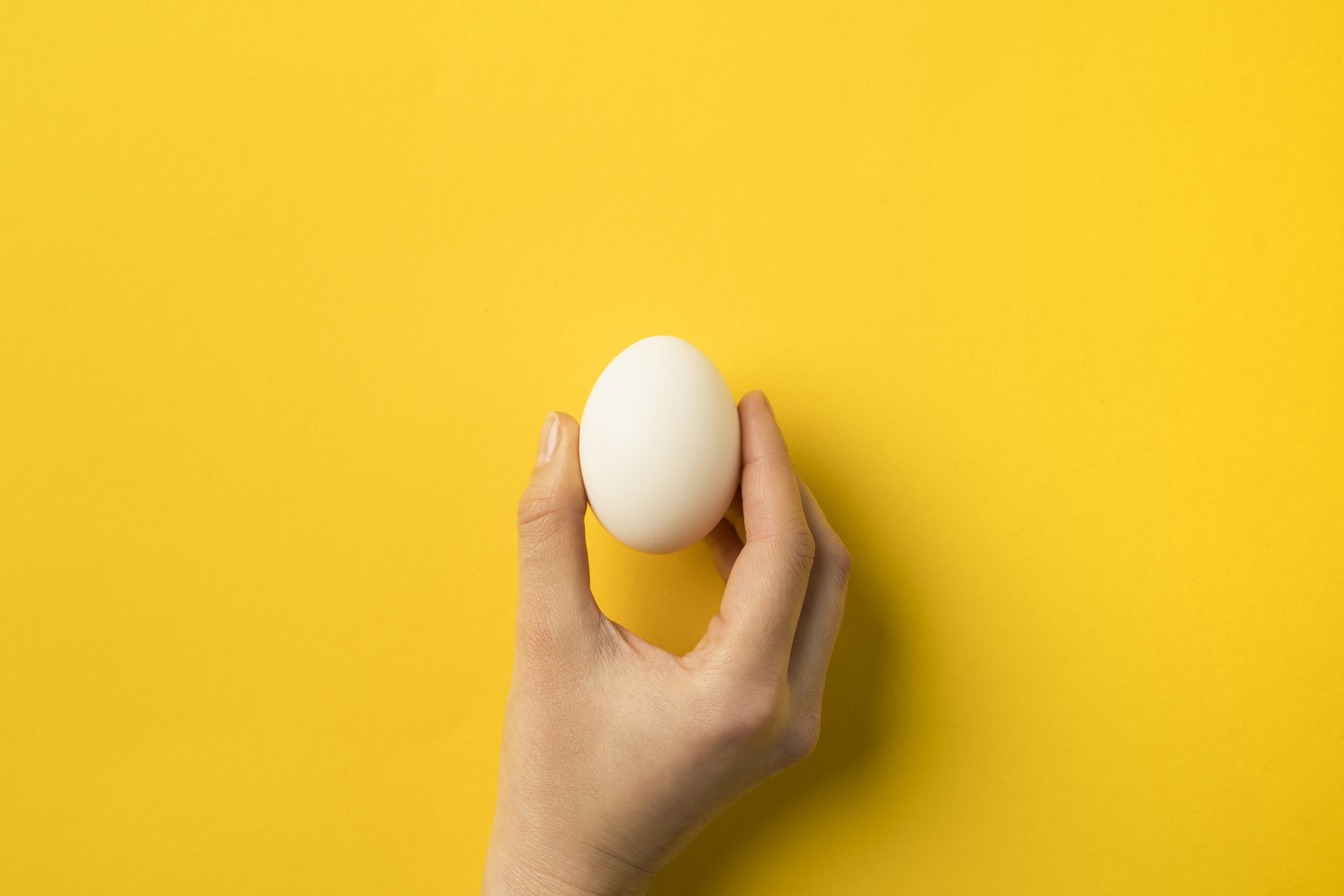 This bizarre egg video is going viral on Twitter, and we have so many questions