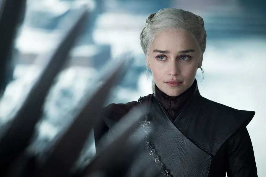 The <em>Game of Thrones</em> finale script clarifies a LOT about Daenerys's final scene
