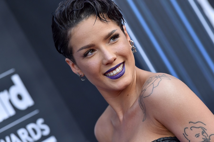 Halsey now has rainbow bangs, and they're making us so happy