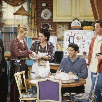 A new <em>Friends</em> tour will let you eat Thanksgiving dinner and recreate the opening credits on set