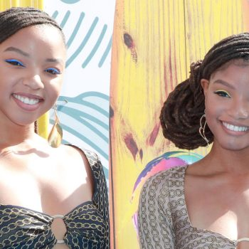 Chloe and Halle Bailey's makeup artist broke down the sisters' <em>Euphoria</em>-inspired eye makeup look from the Teen Choice Awards