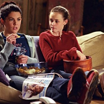 A new mother-daughter Netflix show is catching the attention of <em>Gilmore Girls</em> lovers