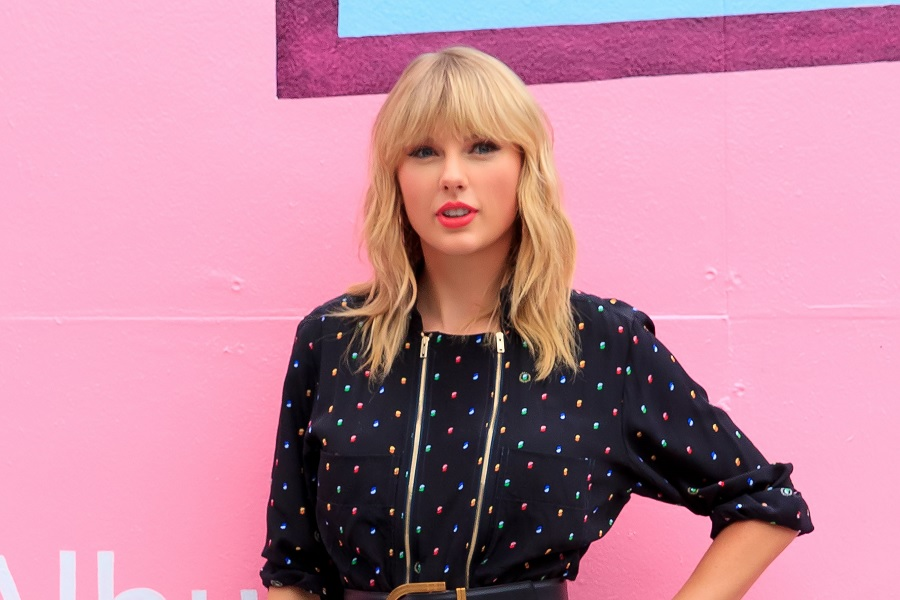 "Taylor Swift's new song ""It's Nice to Have a Friend"" is giving back in the best way"