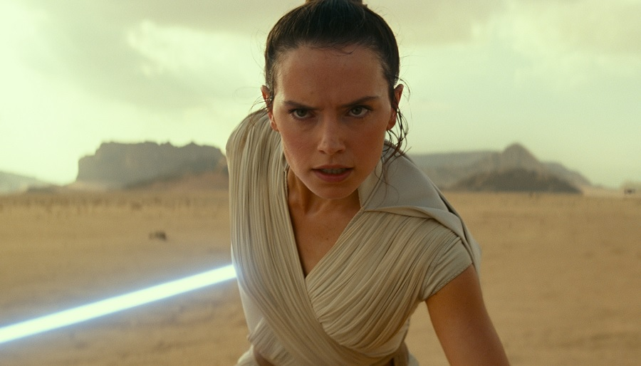 Fans think Rey from <em>Star Wars</em> is headed to the dark side for this reason