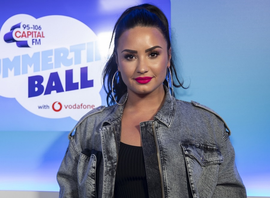 Demi Lovato reveals she's joining <em>Will &amp; Grace</em>'s final season, squashing those VMAs feud rumors