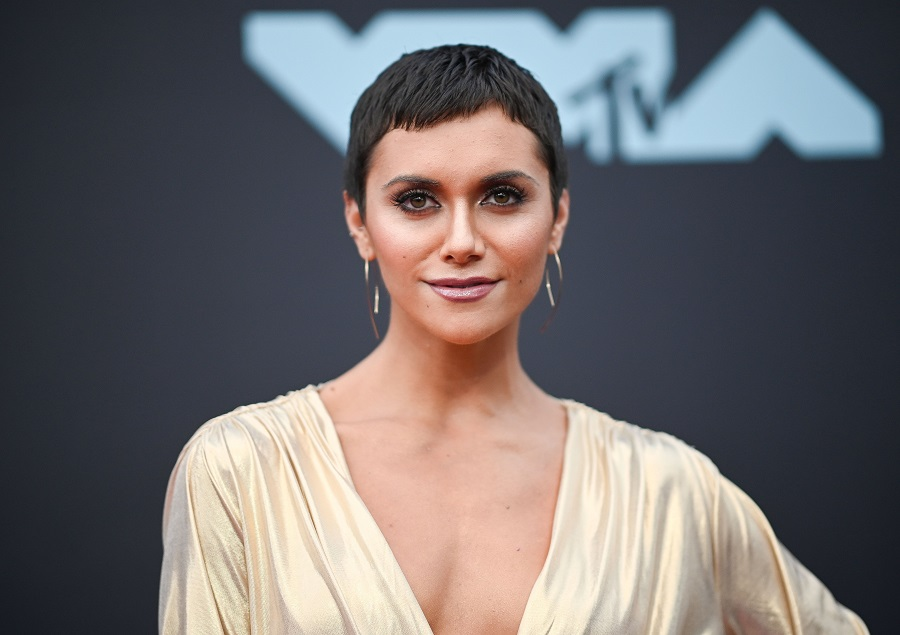 Alyson Stoner threw it back again with a video of her teaching Ellen DeGeneres the Harlem Shake