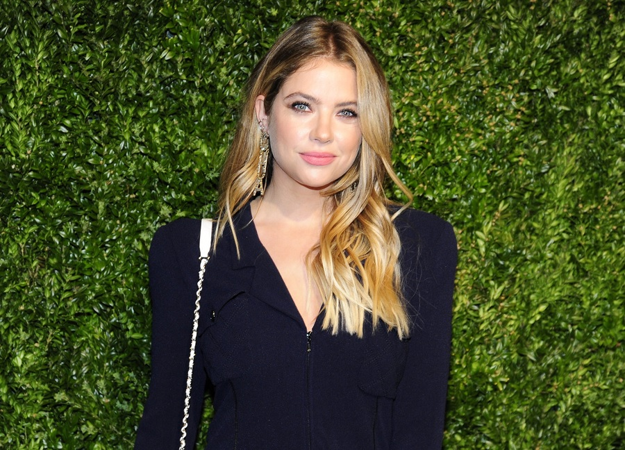 "Ashley Benson is making the ""clavicle bob"" happen, and we're grabbing our scissors"