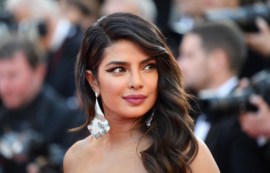 Priyanka Chopra just joined in on the clavicle bob trend for fall