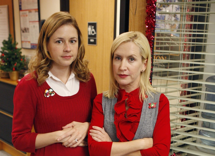 Jenna Fischer and Angela Kinsey are starting a <em>The Office</em> podcast—everybody stay calm!