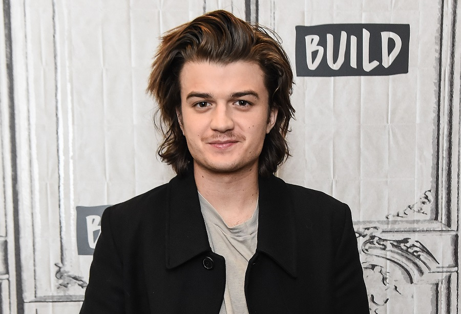 <em>Stranger Things</em>' Joe Keery cut his signature hairstyle into bangs and everyone is freaking out