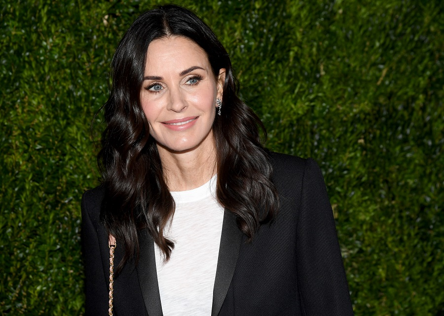 Courteney Cox's new shag haircut is very un-Monica but we love it
