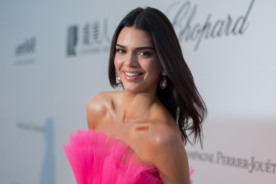 Kendall Jenner is proving blondes have more fun with her new hair color