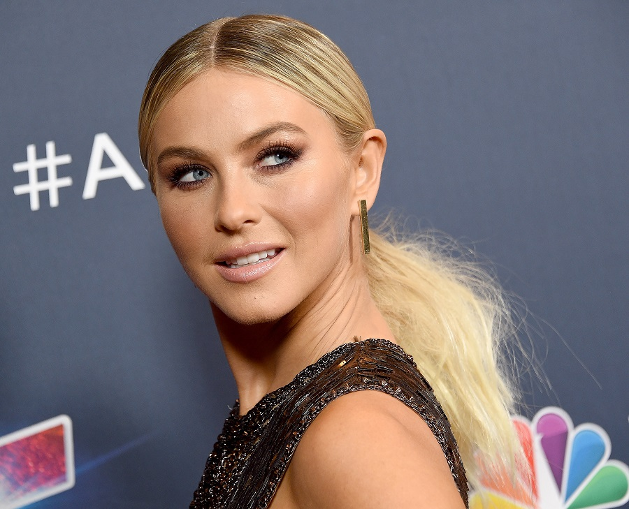 Julianne Hough wore glitter roots in her hair, and we're actually super into it