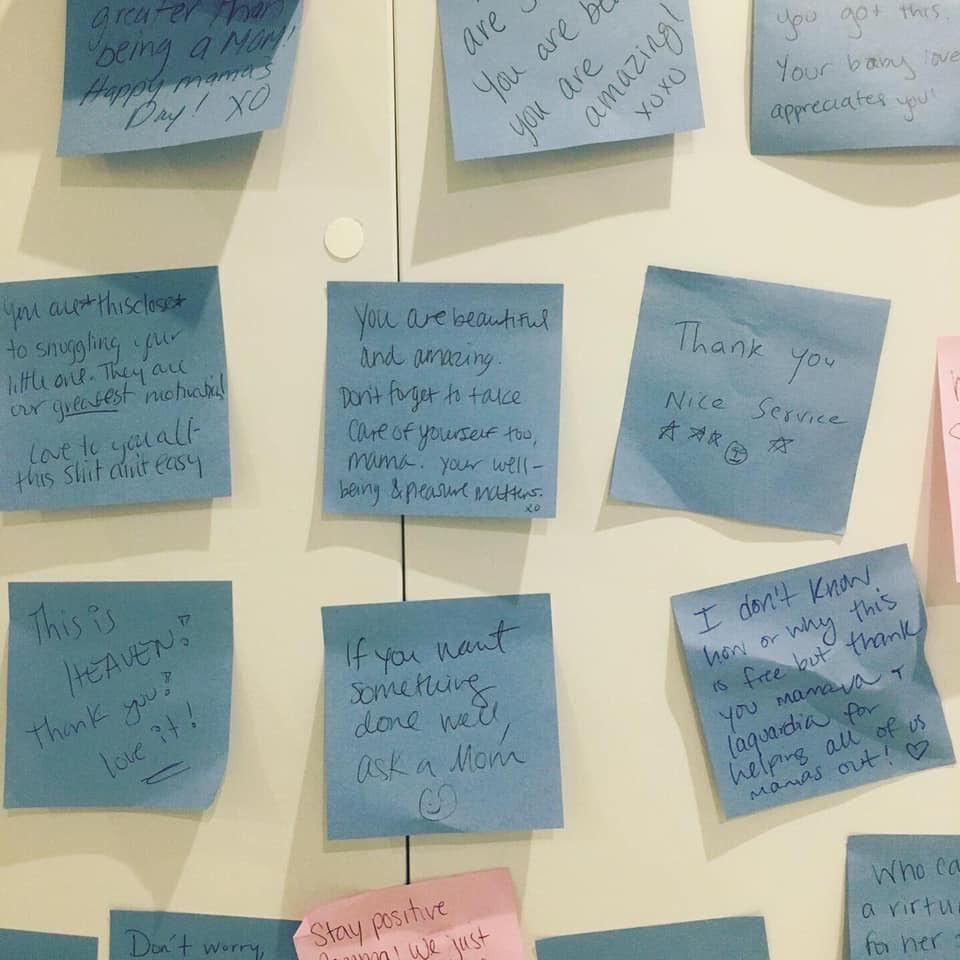 Moms are leaving encouraging Post-It notes in an airport pumping pod, and we're feeling all the feelings
