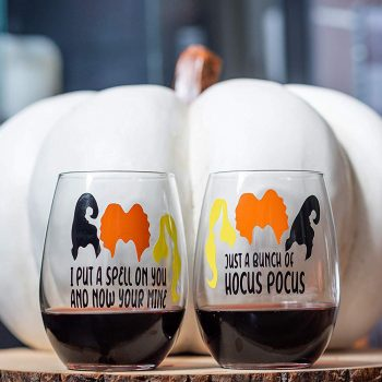 These <em>Hocus Pocus</em> wine glasses are exactly what your next viewing party needs