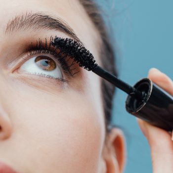 Amazon's best-reviewed mascara claims to lengthen eyelashes by 300%