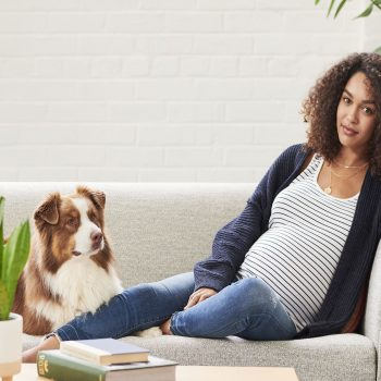 Save money on your maternity clothes by renting them instead