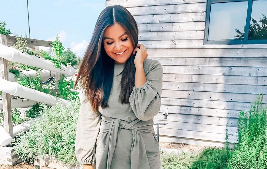 People are officially obsessed with this cozy $25 sweater dress from Amazon