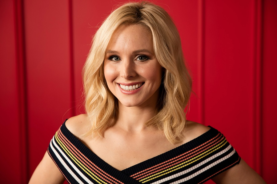 Kristen Bell's new razor-sharp blunt bob is a throwback to the '90s