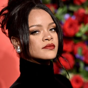 """Rihanna revealed why she canceled her 2016 Grammys performance """"in the middle of hair and makeup"""""""