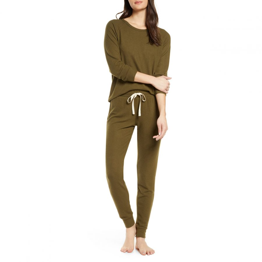 These cozy pajamas are 33% off at Nordstrom—and they come in so many fun colors