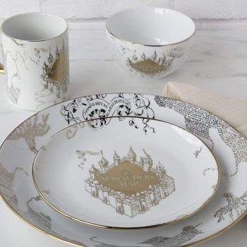 These <em>Harry Potter</em> Marauder's Map dinner sets will make for one magical dinner party—and they're only $30 on Amazon