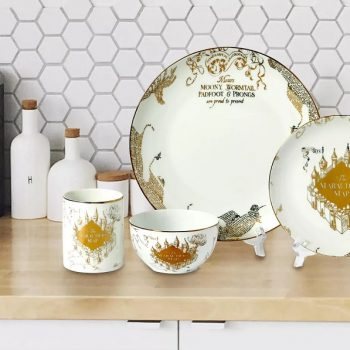 These <em>Harry Potter</em> Marauder's Map dinner sets will make for one magical dinner party