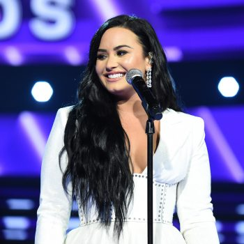 How to get Demi Lovato's tousled waves from the Grammys