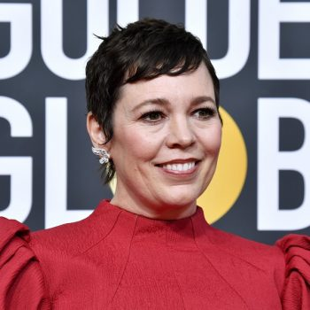 Olivia Colman looks like a true queen with her new blonde hair at the 2020 Oscars