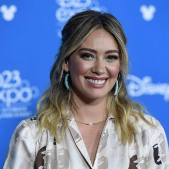 Hilary Duff pleaded with Hulu to pick up the stalled <em>Lizzie McGuire</em> revival