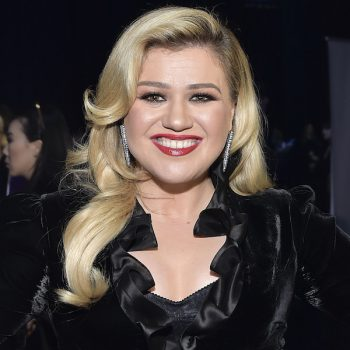 Kelly Clarkson debuted a dramatic bob haircut, and the other <em>Voice</em> coaches are shaking in their swivel chairs