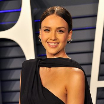 Jessica Alba and her lookalike daughters are having the best social-distancing dance parties