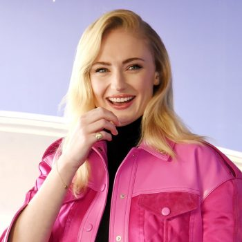 """Sophie Turner hilariously answered fan questions while """"bored"""" in her home"""