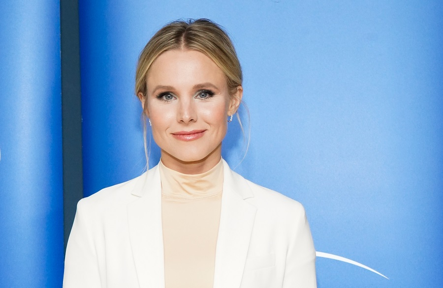 Kristen Bell shared the most relatable picture of homeschooling her daughters