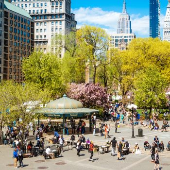 """8 expert tips for adjusting to the """"new normal"""" of life in the big cities"""